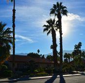 Fotos mit Sonne für Silhouetten– Belichten Sie hier auf den Himmel.