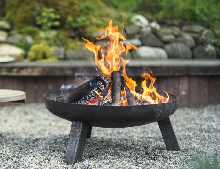 Feuerschale, Griller und Wäschespinne auswintern: Jetzt ist die Zeit dazu.