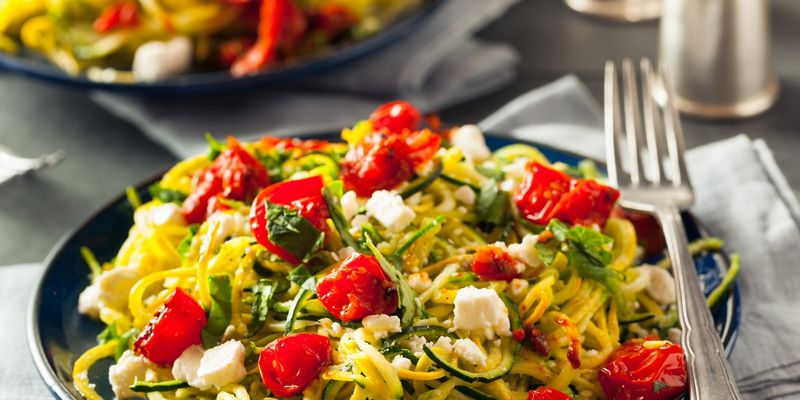 Ernährungsbewusste stellen Nudeln selbst aus Obst und Gemüse her.