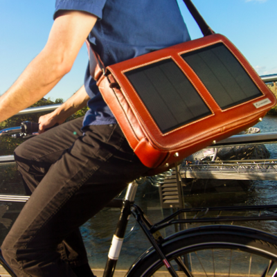 SunnyBAG lädt mobile Geräte.