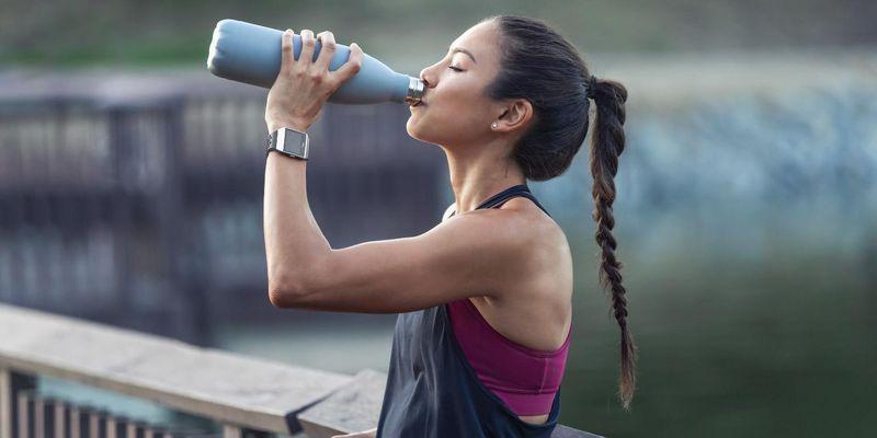 "Die Fitbit Ionic: adidas edition hat das Coaching-Programm ""adidas Train"" an Bord."
