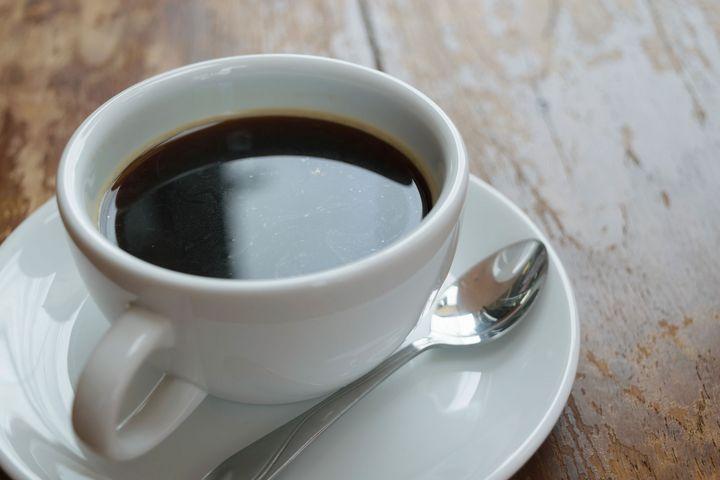 Eine Tasse schwarzer Kaffee