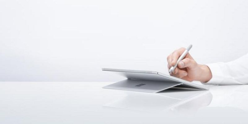 "Microsoft präsentiert das neue ""Surface Pro 6""."