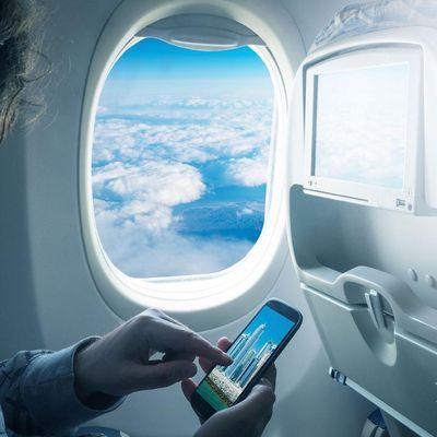 Smartphone-Entertainment trotz Flugmodus.