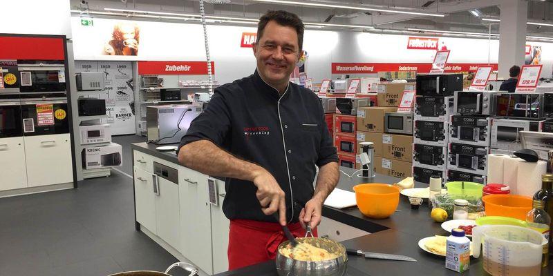 elektrabregenz verwöhnt Besucher mit einer Kochshow-Serie im MediaMarkt Floridsdorf.