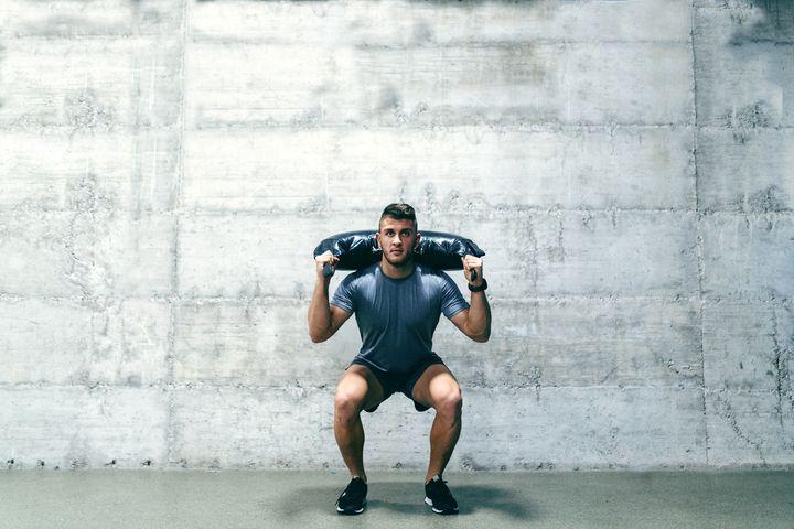 Kniebeugen gehören zu den effektivsten Übungen.