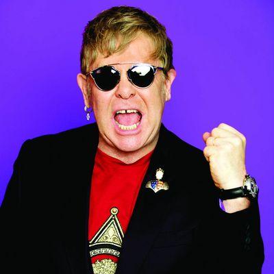 """Pop-Star Elton John liefert auf """"Diamonds"""" einen musikalischen Querschnitt durch seine Karriere."""