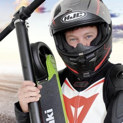 """Der Ausprobierer testet den E-Scooter """"Kawasaki KX-FS6.5""""."""