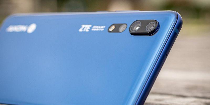 """Das neue Smartphone """"ZTE Axon 10 Pro""""."""