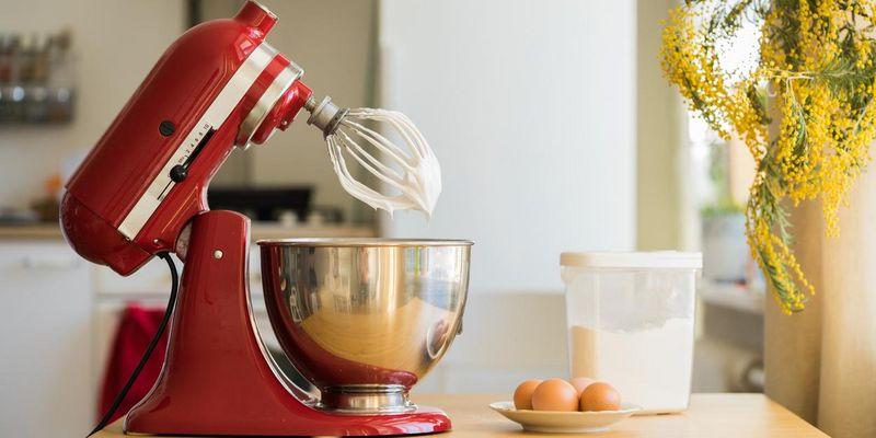 Küchenmaschine und Co. putzen.