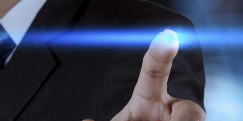 Ein Touchscreen ersetzt Bedienelemente wie Tasten.
