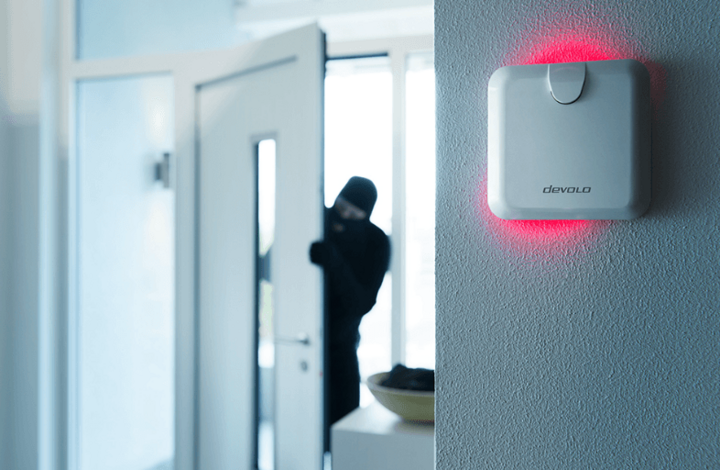 """Auf Nummer sicher geht man mit einer smarten Warnsirene wie beispielsweise der """"Home Control Warnsirene"""" von devolo."""