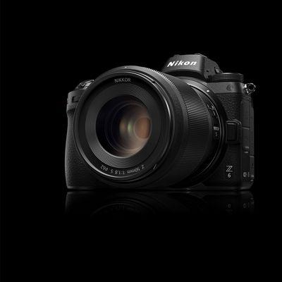 """Nikon stellt mit der """"Z6"""" eine spiegellose Vollformatkamera vor."""