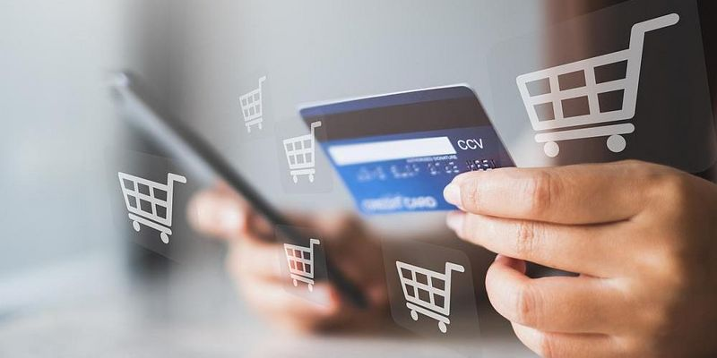 Online-Shopping via Smartphone.
