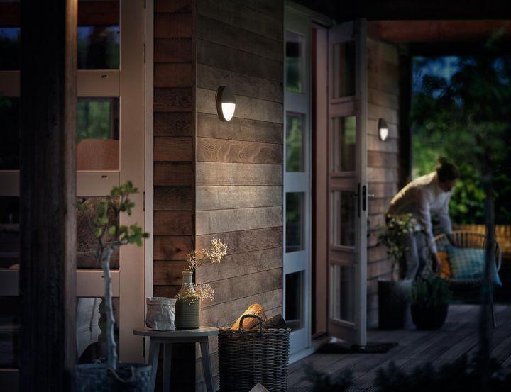 Maximale Sicherheit fürs Zuhause dank smarter Außenbeleuchtung.
