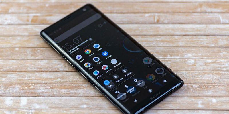 """Das Sony """"Xperia XZ3"""" im Detailblick."""