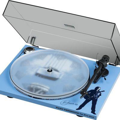 Pro-Ject präsentiert Sammler Edition Hans Theessink Blues Recordplayer.