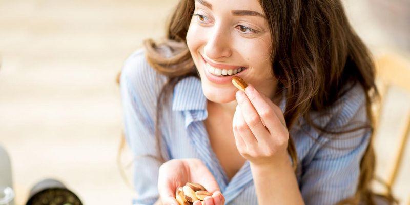 Mit der richtigen Lebensmittelzufuhr kann das Gehirn effizient arbeiten.