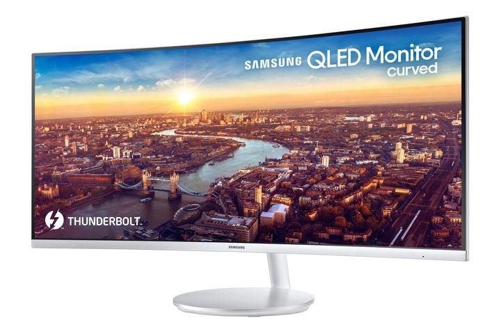 Das 34 Zoll große Display ist der erste QLED Curved Monitor mit Thunderbolt 3-Anschluss.