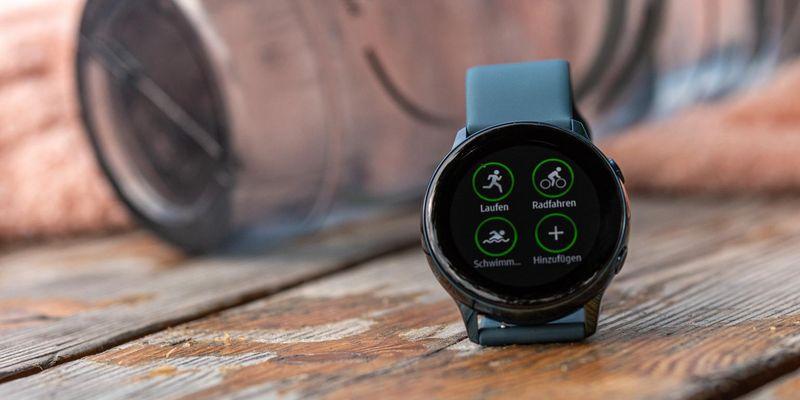"""Die Smartwatch """"Galaxy Watch Active"""" von Samsung."""