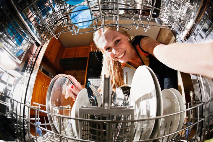 Spülmaschinen müssen auch hin und wieder entkalkt werden.