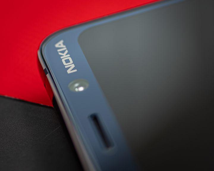 """Das finnische Unternehmen HMD Global hat das """"Nokia 9 PureView"""" in elegantem Design verpackt."""