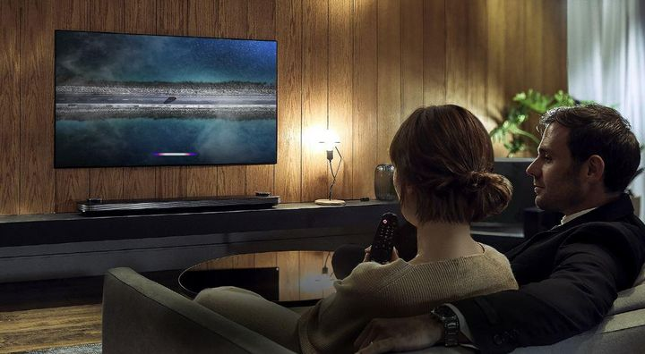 """8K Fernseher mit """"ThinQ AI"""" von LG."""