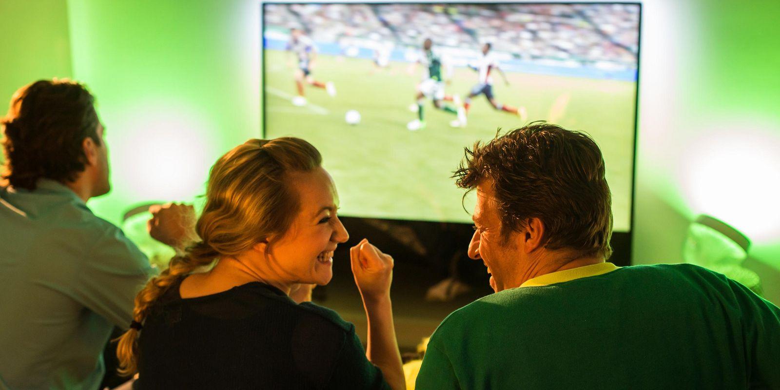 Philips Hue schafft farbige EM Beleuchtung Fußballstimmung