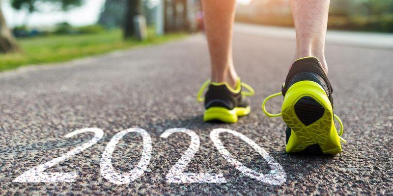 Gute Vorsätze 2020: Smartwatch und Tracker begleiten auf dem Weg zu mehr Fitness.