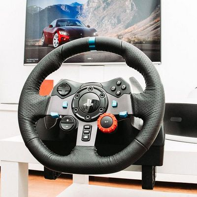 "Das Logitech ""G920 Driving Force""."