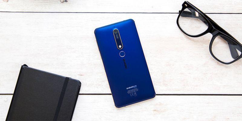 """Das """"Nokia 6.1"""" im Detailblick."""