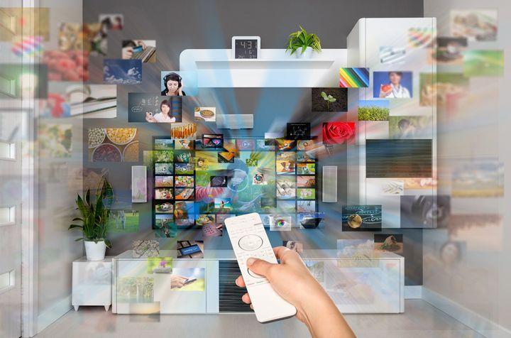 Die Entwicklung vom Röhrenfernseher zum modernen 8K-TV.