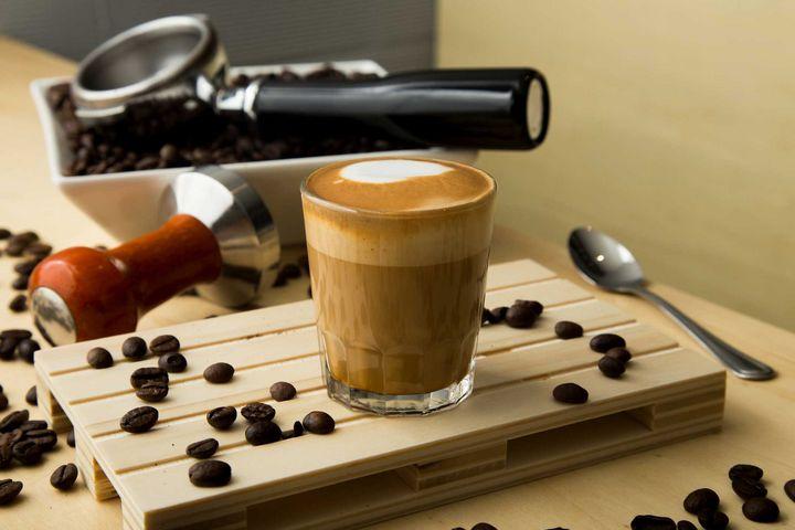 Der Cortado ist ein Espresso mit Milchzusatz.