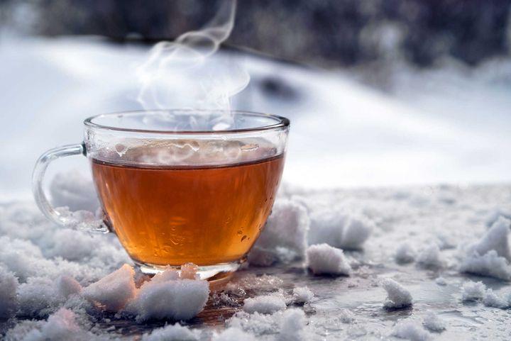Tee hilft dem Körper und Ihnen, sich wohlzufühlen.