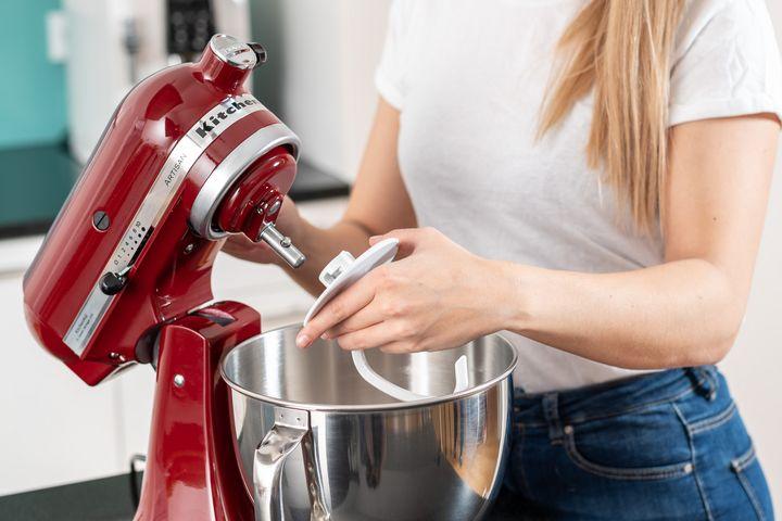 Die wichtigsten Aufsätze für die Küchenmaschine sind bereits im Lieferumfang enthalten.