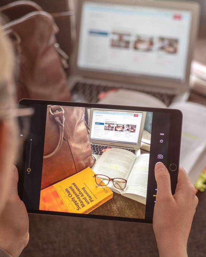 """Ein weiteres Highlight ist die FaceTime HD Kamera des """"iPad Air"""":"""