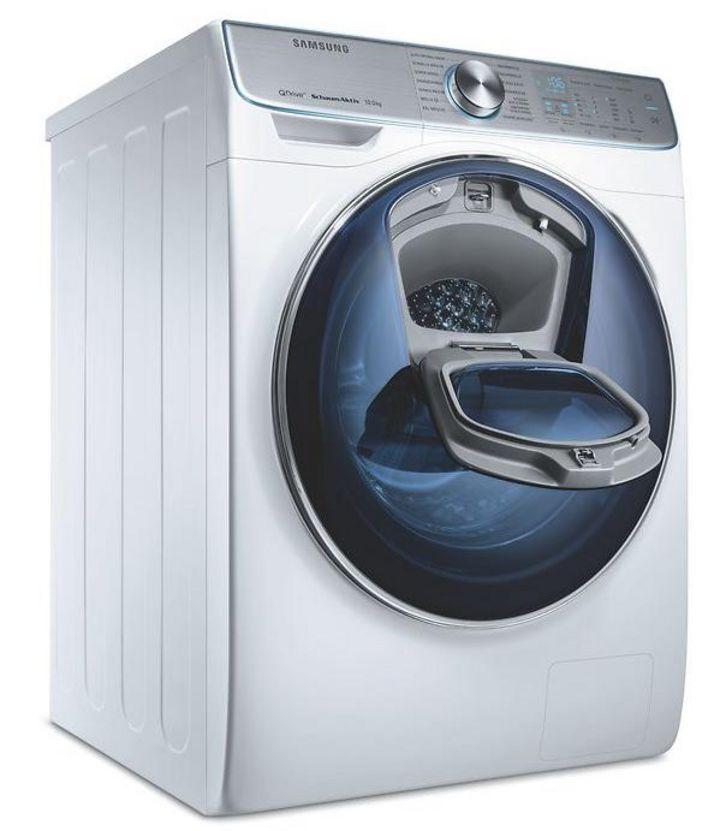 Samsungs QuickDrive-Technologie reinigt effizient durch entgegengesetzte Wäschebewegung von Rückwand und Trommel.