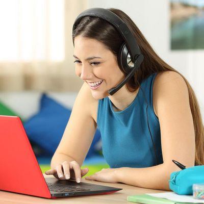 """So bedienen Sie Ihren """"Windows 10""""-Computer mit Ihrer Stimme."""