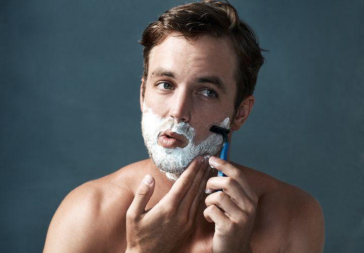 Vereinzelte Bartstoppel sollten besser entfernt werden.