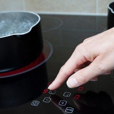 Diese kleine Übersicht über die verschiedenen Technologien und Möglichkeiten in puncto Kochplatten kann beim Kauf eines neuen Herds helfen.