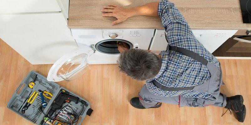 Der Anschluss einer Waschmaschine bedarf großer Sorgfalt.