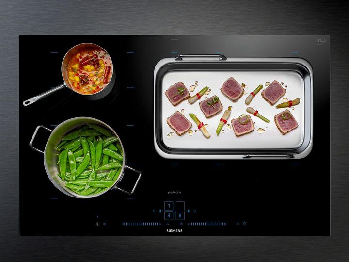 Kochfeld ohne Knöpfe, Raster und Beschriftung: Siemens iQ700 mit activeLight