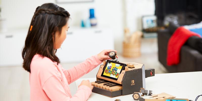 """Das Multi-Set von Nintendo """"Labo"""" bietet Bastelspaß für die ganze Familie."""