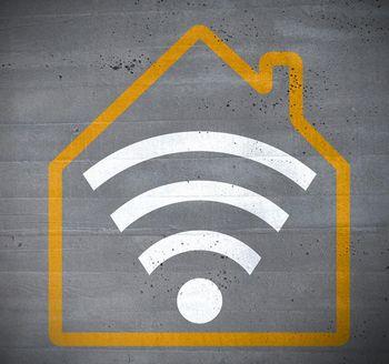 Damit im Smart Home alle Komponenten störungsfrei kommunizieren, bedarf es einer starken drahtlosen Verbindung.