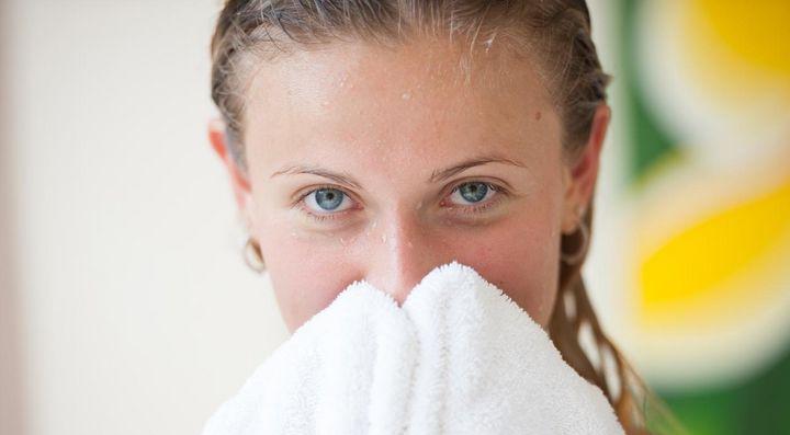 Sich von den Pollen zu reinigen, bringt Linderung.