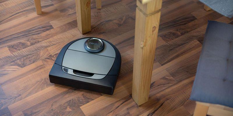 """Der Neato Robotics Saugroboter """"Botvac D7 Connected""""."""