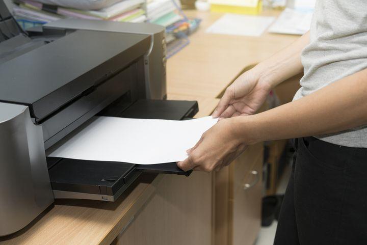 Studenten müssen viele Unterlagen ausdrucken.