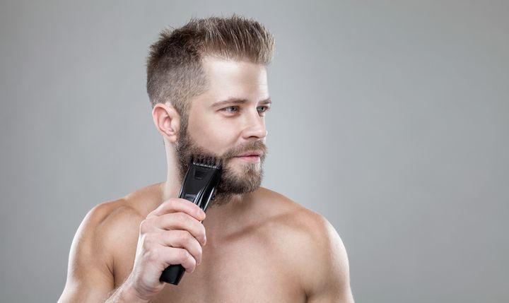 Bart trimmen.