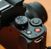 """Einfache Bedienbarkeit: die Panasonic """"Lumix DC-G110K""""."""