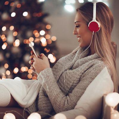 Fünf ungewöhnliche Weihnachts-Videos zum Mittanzen.